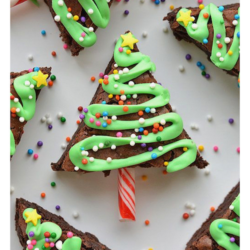 One of the treats I'm making for the Christmas party the family I work for is hosting this weekend. Can't wait to make these!