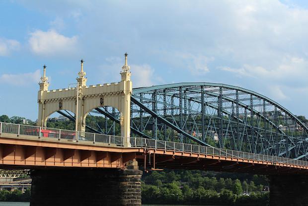 One of my favorite bridges, the Smithfield Street Bridge.