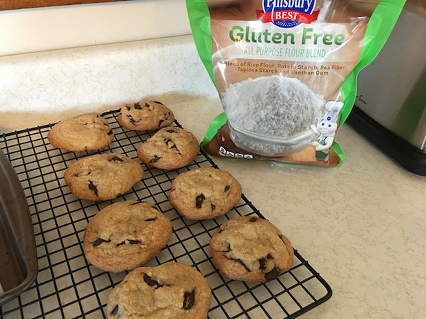 Gluten free chocolate chunk cookies with Pillsbury gluten free flour