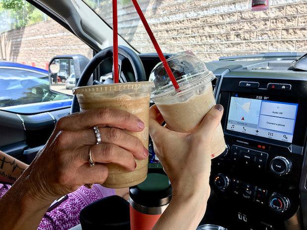 Sheetz frozen latte and frozen chai tea