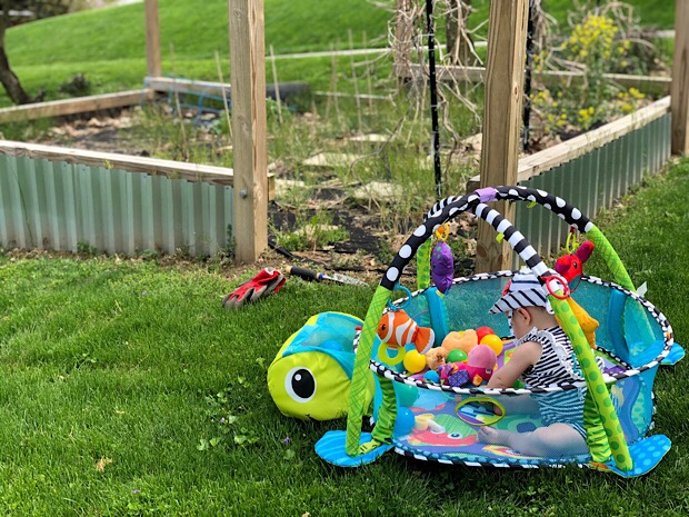 Baby infantino ball pit and activity gym by garden