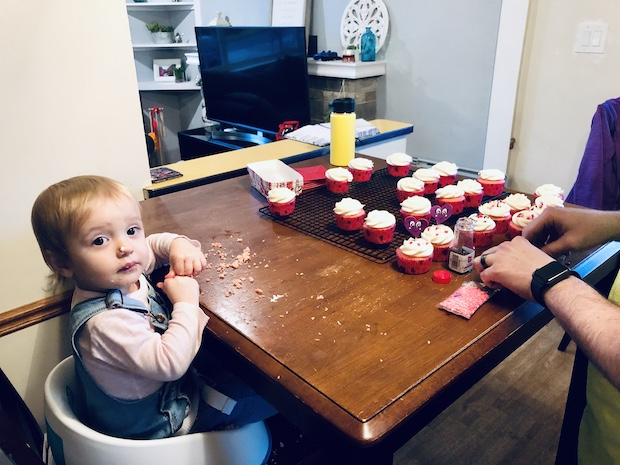 Decorating Valentine's Day Cupcakes