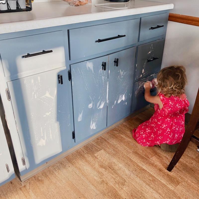 Toddler washing cabinets